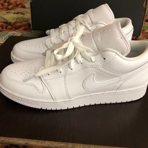 NWT Air Jordan 1 Low Youth Sz7